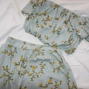Xhilaration blue floral two piece set